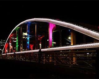 盛岡の玄関口・開運橋がライトアップ!岩手県で「冬の開運橋ライトアップ」開催