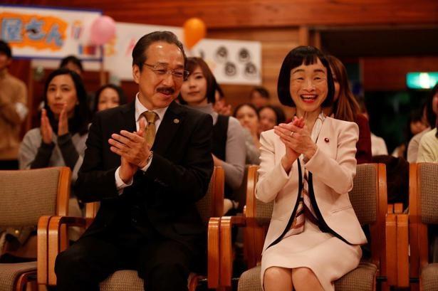 ドラマ「リーガルV」の8話で厚生労働大臣・丸山珠美を演じるどんぐり(C)テレビ朝日