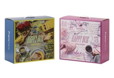 フランフランが販売する「HAPPY BOX 2019」(各5000円)。「PRINCESS BEAUTY」(右)と「FUNNY COOKING」(左)の2種類を用意