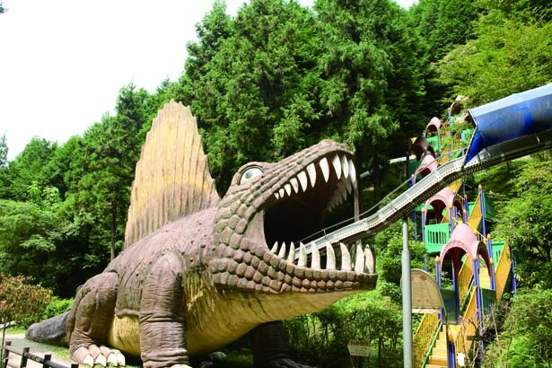 巨大恐竜の口の中に飲み込まれる!/わんぱく王国