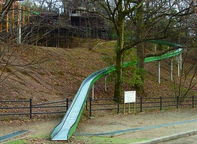 街なかの公園ながら、自然をたっぷり感じられるのがグッド/千里中央公園