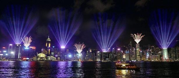 香港の夜を光で彩る「香港パルス・ライト・フェスティバル」が開催中!