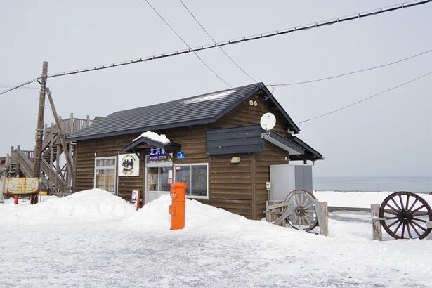 木造駅舎が可愛らしく感じる北浜駅