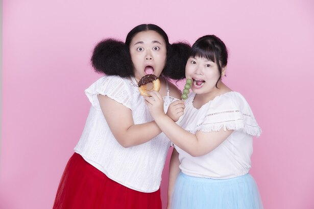 12月5日、両A面マキシシングル「iiwake / HONNE」で歌手デビューを果たしたニッチェ(江上敬子、近藤くみこ)