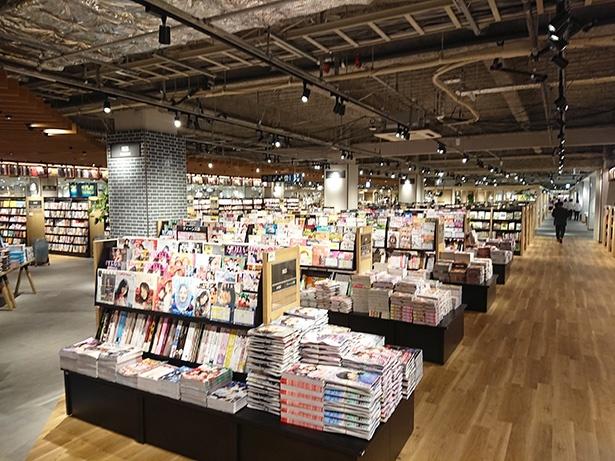 TSUTAYAの本は首都圏最大級となる20万冊もあり、そのうち児童書は3万冊と豊富にそろう
