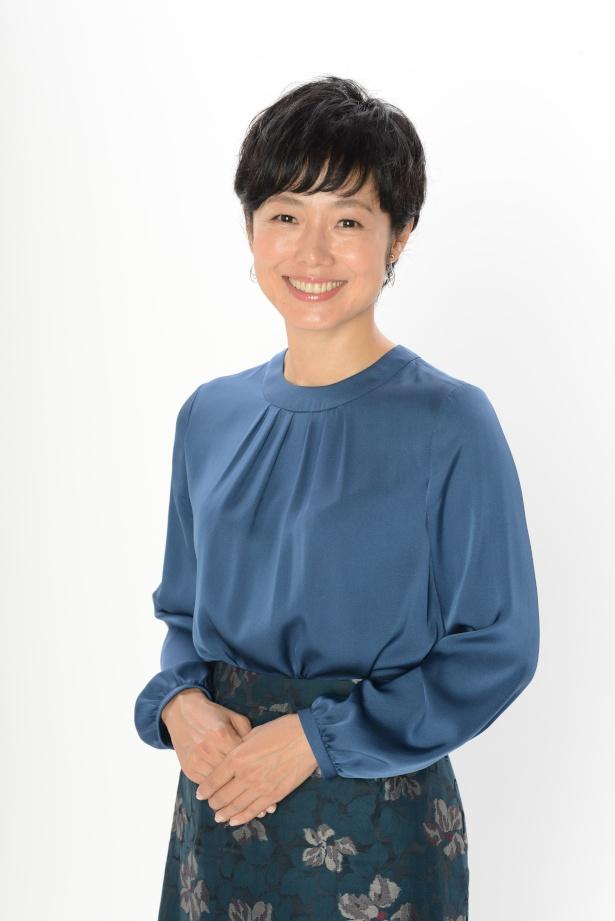 「キャスター&記者1000人が選んだ!平成ニッポンの瞬間映像30」でMCを務める有働由美子