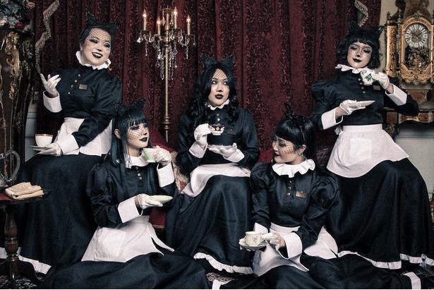 東京ゲゲゲイ (写真左より)BOW、YUYU、MIKEY、MIKU、MARIE