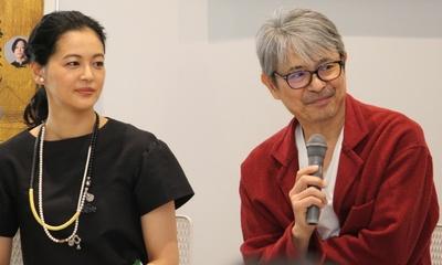 主人公・葛飾北斎を演じる升毅さん(写真・右)と娘のお栄役の黒谷友香さん