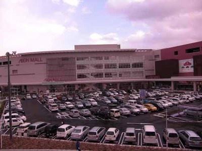 3500台分の駐車場もすぐに満車!