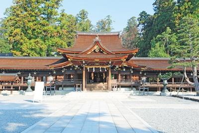 命の神を祀る神社で100歳までの長寿を祈願/多賀神社