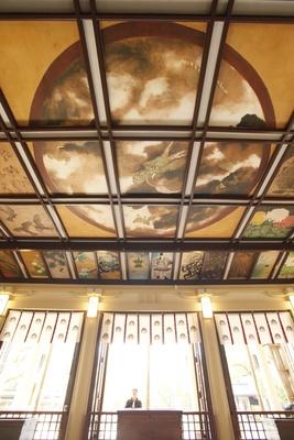 三が日限定公開の天井画/湊川神社