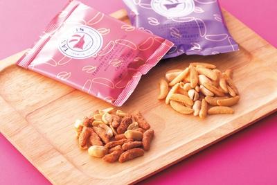 「タネビッツ」の天ぷら‐海鮮旨み塩仕立て‐、スモークチーズ‐チェダーチーズ使用‐(1箱540円 ※各15g×4袋)/阪急うめだ本店
