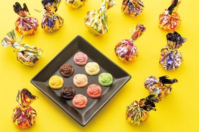 おいしくてかわいい目と舌で楽しむ食べるバラ、「ROKUMEIKAN」のローズパレット(15個入り・1620円)/阪神梅田本店