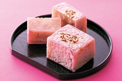 和菓子の老舗が手がける新しいきんつば、「亀屋清永」の吟角(2個入り・756円)/京都高島屋