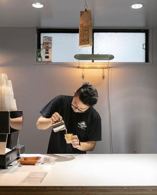 MODOO'S COFFEE BREWERS / 廣瀬さんの流れるような動きを見るだけでも訪れる価値あり