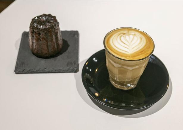 MODOO'S COFFEE BREWERS / ミルクの甘さを生かすためぬるめで提供するピッコロラテ(500円)