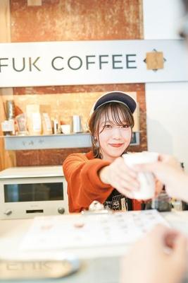 FUK COFFEE / 国体道路沿いにあり、買物中に気軽に利用できる