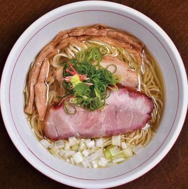 清湯スープが自慢の虎徹そば(塩)780円