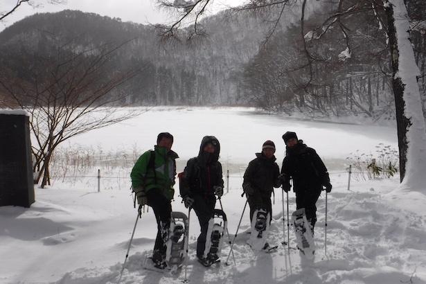 【写真を見る】日本では珍しいスノーシューを体験できる