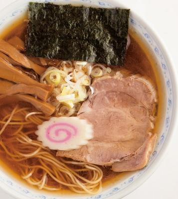 【写真を見る】老舗の味。醤油ラーメン600円