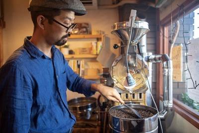 あびる珈琲 / 焙煎のこだわりは「いつもどおり焼くこと」と阿比留さん