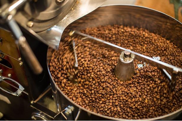 トモノウコーヒー / 焙煎機は警固の「焙煎屋」と同じ、フジローヤル3㎏の半熱風式