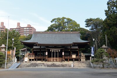 八咫烏の導きの御神徳による勝利を祈願する宮として崇敬される/弓弦羽神社