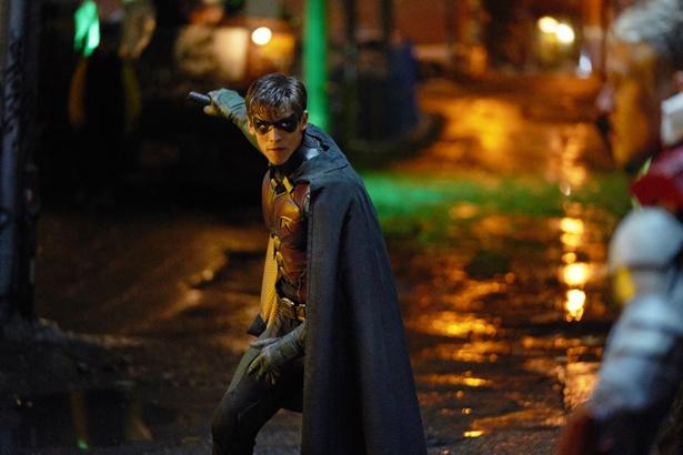 DCコミックスの人気キャラクター・ロビンの活躍を描く「Titans/タイタンズ」