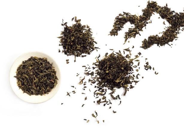 小山緑茶や鉄観音など、紅茶に使用するには珍しい茶葉のミルクティーも/THE ALLEY 神戸・三宮店