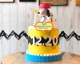 フォトジェニックなスヌーピーケーキでお祝い!PEANUTS DINER 横浜「1周年記念」限定展示
