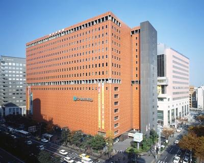 大丸福岡天神店の1月2日(水)の初売りは9:00から。全館の人気ブランドが一斉にスタートする