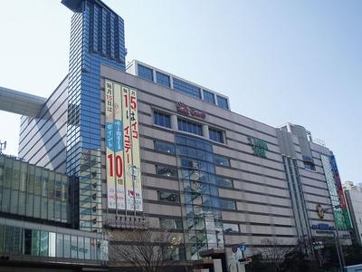ソラリアステージでは1月2日(火)のみ、1階とM2階は9:00から、地下2階は10:00から開店する