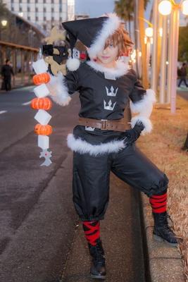 「キングダムハーツII」のソラ(クリスマスタウンver.)に扮したあじぽんさん