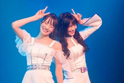【写真を見る】小嶋花梨(左)・清水里香(右)