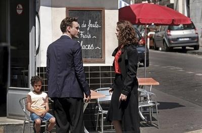 """""""夫の足跡""""を追うマリーに主人公の偽装が暴かれそうで、すれ違い劇場に終始ハラハラ! ...しかし、「フランスを出たい」とか「やっぱり止めた」とか、どうしたいんだ?マリー!"""
