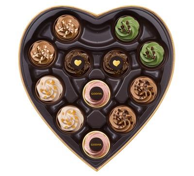 かわいい限定チョコレートが12粒たっぷり入った「ゴディバフェアリーケークセレクション」(12粒入5400円)も用意