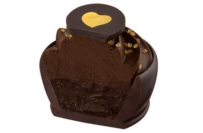 ガナッシュ、ムースの両方にカカオ分70%のダークチョコレートを使用した「70% ショコラノア」
