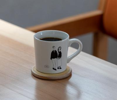 RAIL COFFEE ROASTERS / ホットコーヒー(450円~)はこくかあっさりの味が選べそれぞれ3種のシングルを用意する