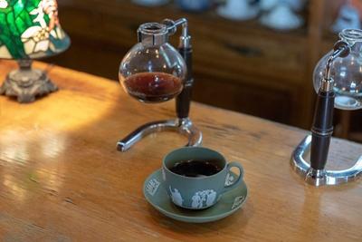 琥珀亭 /  コーヒーは1杯500円~