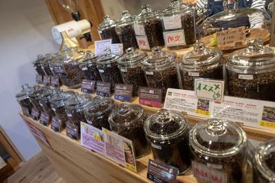 Morrow珈琲 / 豆は鮮度を重視し、1週間をめどに売り切るようにこまめに焙煎している