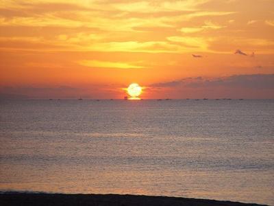 太平洋から昇る美しい初日の出