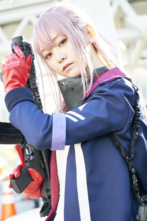 「ドールズフロントライン」のAR-15に扮した、一姫さん(@Itsuki_0714)