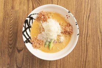 パスタのような麺が特徴。SAKURA(並)850円