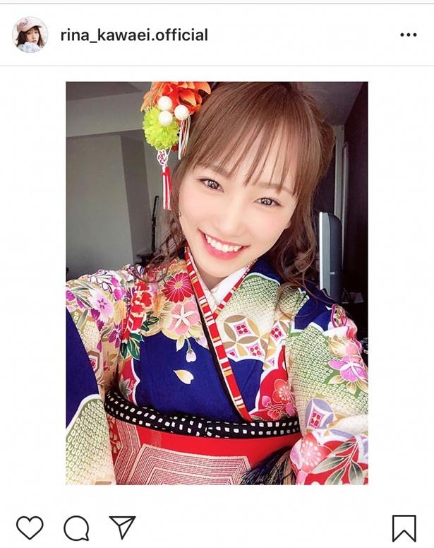 【写真を見る】公式Instagramで公開された川栄李奈の振り袖姿。笑顔がかわいい!