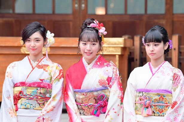 【写真を見る】1月11日にSUPER☆GiRLSを卒業する浅川梨奈は「今後は女優業を頑張っていきたいなって思っているので、一つ一つのお仕事を大切に」と意気込む