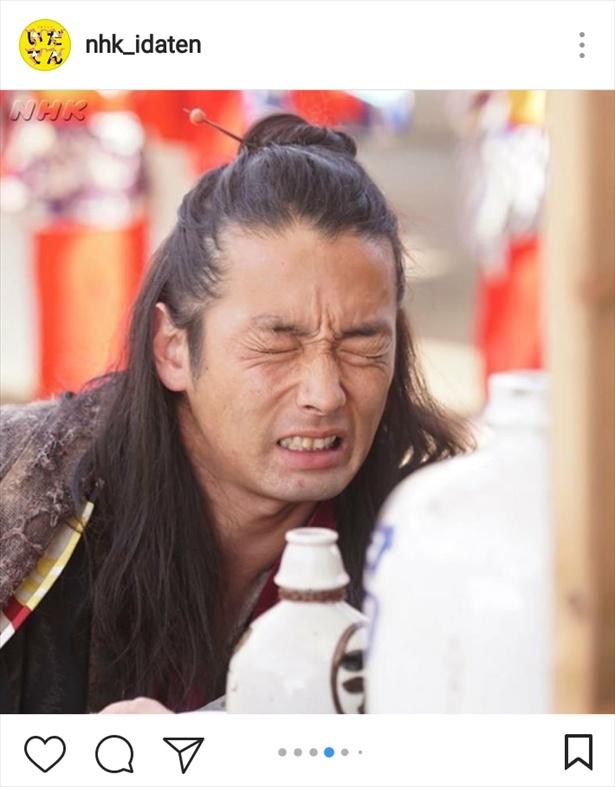 若き日の志ん生・美濃部孝蔵を演じる森山未來