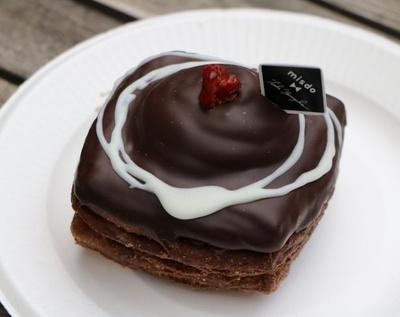 ケーキのようなドーナツ!「クリスプショコラ ダブルチョコ」(216円)