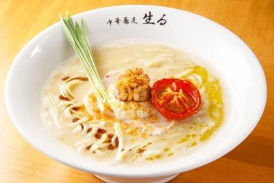 「 真鱈白子と三河赤鶏の鶏白湯白湯SOBA」(1200円)。白子クリームはスープに溶かしたり、チャーシューにディップしたり、味変も楽しめる