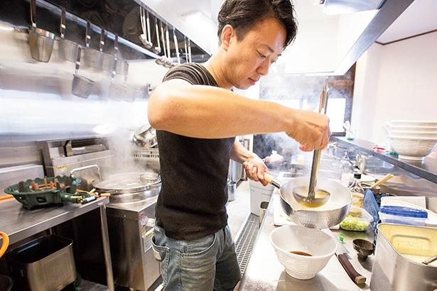 常にさまざまな限定麺を出す若き実力店主の五味辰也さんもイノシシのラーメンは初挑戦