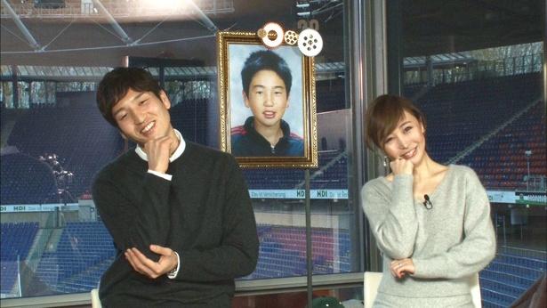 サッカー日本代表の原口元気選手と妻の原口るりこさん(左から)